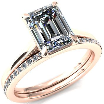 Lizzy Emerald Moissanite 4-Claw Prong Engagement Ring