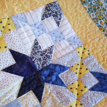 Blue and Yellow Daisies Medallion - Handmade Quilt for Baby - Crib - Toddler - Lap Quilt - Flannel Back