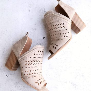 heart to hold perforated peep toe bootie in distressed leathertte taupe
