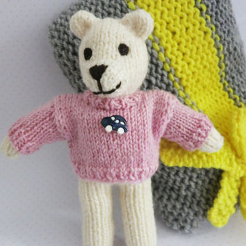 Pocket teddy bear Oluś/ teddy bear toy/soft toy/gift/unique/knitted/ travel bear/ nursery toy decoration