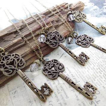 Set of 5 Victorian Key Necklace, Bridesmaids Jewelry, Bridesmaid Gift, Keepsakes, Key Necklace, Wedding Giveaways - FREE SHIPPING