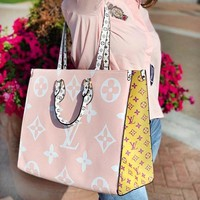 Louis vuitton LV fashion hit for women who pack colorful printed hand-held shopping bags