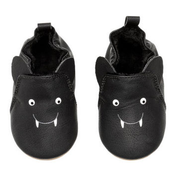H&M Slippers $12.99