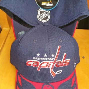 New WASHINGTON CAPITALS FLEX FIT FITTED  HAT CAP CENTER ICE  CAP IT REEBOK