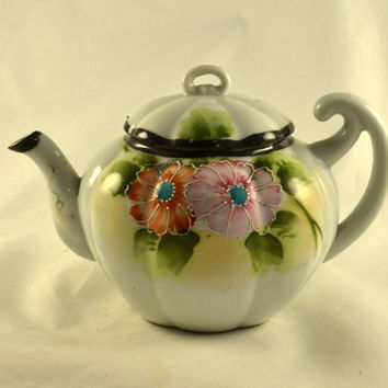 Porcelain Teapot Hand Painted Moriage Beaded Daisy or Cosmo Floral - Vintage Made in Japan