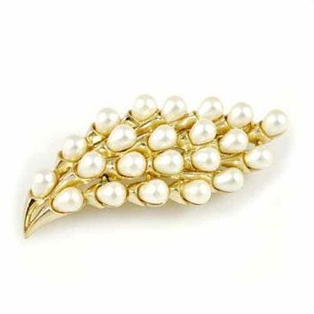 Vintage Signed Trifari Crown Goldtone/Pearl Spray Brooch 1940'S