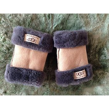 UGG fur one half finger gloves Rice white