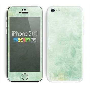 The Vintage Grungy Green Surface Skin for the Apple iPhone 5c