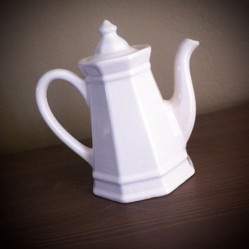 Pfaltzgraff Heritage White tea pot, USA teapot, 4 cup stoneware pot, stoneware serving, wedding gift