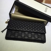 Gucci Leather Signature wallet