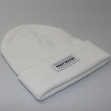 DCCKR2 Under the tree patch lettering knit hat White