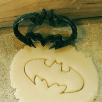 SMALL Batman cookie or fondant cutter (2 inches wide)