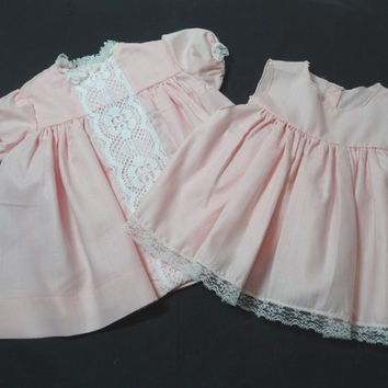 1980s Vintage 4 Piece Baby Dress Ensemble: Dress, Slip, Bloomers, Bonnet, Pink with Lace & Net Trim, Vintage Baby Clothing, Photo Shoot