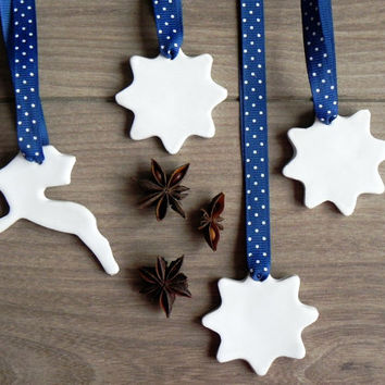 White Christmas Pottery Deer and Stars Rustic Decoration White Ceramic Ornament Set of 4 Christmas Decoration
