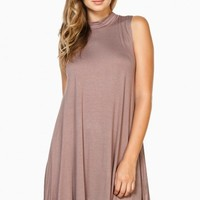 ELLE SHIFT DRESS IN MOCHA