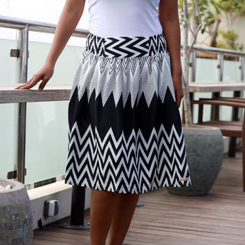 Chevron Skirt black and white, midi skirt for women, bridesmaid skirt, zigzag skirt