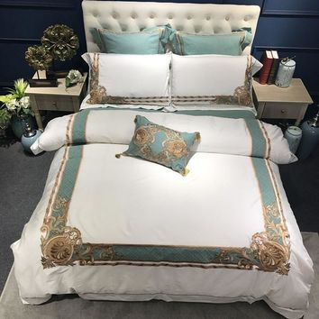 Oriental Embroidered Luxury Egyptian Cotton White Royal Bedding set Queen King size Hotel Bedding sets Duvet cover Bed sheet set