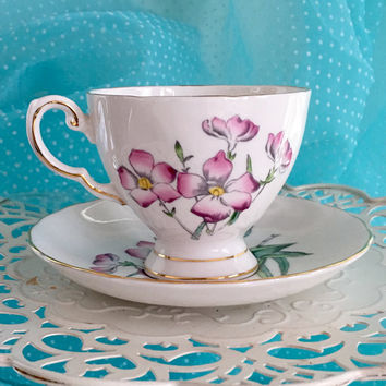 Pink Vintage Tea Cup, Teacup Set, Royal Tuscan Bermuda Flowers, English China Tea Cup, Pink Wedding, Bermuda, Gift for Bride Tea Cup