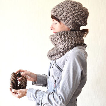 d3bc1c2db19 Hat and scarf Christmas gifts Hat cowl set Hat scarf set Chunky knit cowl Winter  set