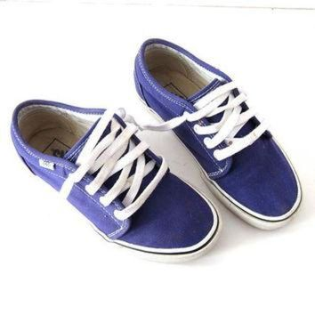 VLXZRBC vintage Vans tennis shoes. Purple lace up sneakers. Skater shoes. Women's 6