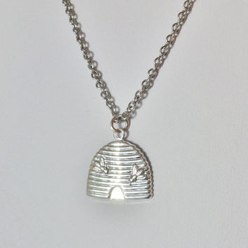 Beehive Necklace in Bright Silver