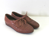 vintage 80s brown woven leather lace up shoes // 7.5 Wide