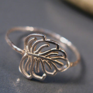 Botanic jewelry, Sterling silver leaf ring, handmade ring, leaf jewelry, fashion gifts