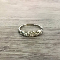 Vintage Art Deco Diamond Ring in 14k White Gold, Wedding Band Diamonds H SI1, Size US 7  (ring sizing available)