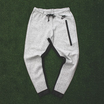 Women's Nike Tech Fleece Pant (617325-063) | RISE
