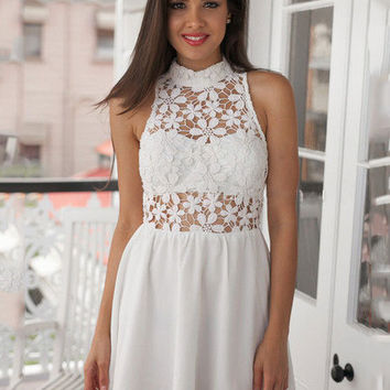 White Funnel Collar Sleeveless Lace Chiffon Mini Dress