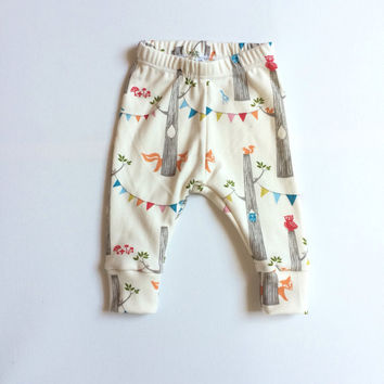Organic baby leggings. Comfy pants. Organic knit fabric with woodland animals. Infant cuff leggings. Gender neutral. woodland party