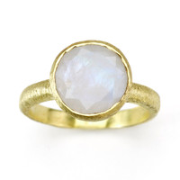 Betty Carre' Created Moonstone Ring   Goldplate