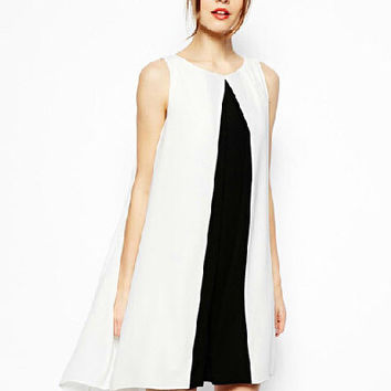 Black and White Sleeveless with Back Keyhole Casual Dress