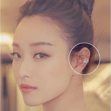 Korean Stylish Simple Design Earrings one pic [10399363412]