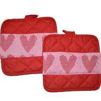 Heart PotHolders, Cooking Mitts, Oven Glove, Hot Pads, Gift for Her, Kitchen Accessory, Valentine's Day, Hearts, Hostess Gift, Holiday Decor