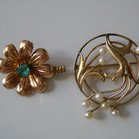 Carl-Art CA With Arrow & Van Dell 1/20 12 KT GF Gold Filled Signed Jewelry With Green Rhinestone Pearl 2Piece Leaf Flower Vintage Brooch Pin