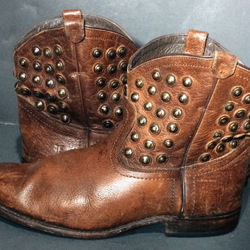 Frye 76684 Wyatt Disc Cognac Brown Leather Studded Western Cowgirl Cowboy Boots Women's Size 10