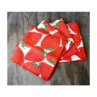 4 Vintage Napkins - Giant Strawberries Pattern