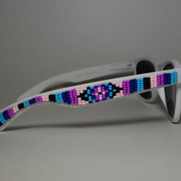 beaded sunglasses by Candace Halcro designs by brownbeadednet
