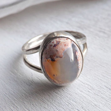 Fire opal ring. Sterling silver ring with oval mexican fire opal gem. size 6.25US