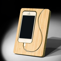 Chisel iPhone 5 Dock: For Versions 5, 5s, and 5c