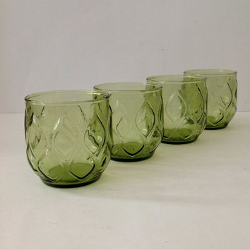 Vintage Set of 4 Short Green Beverage Drinking Glasses textured Droplet Design
