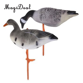 2 Pieces Goose Decoying Hunting Shooting Decoy Garden Decors Lawn Ornaments