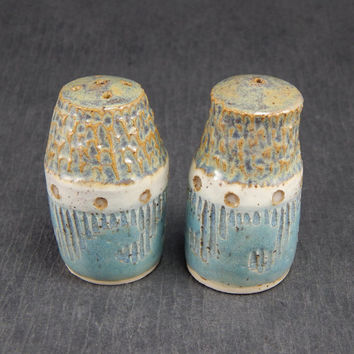 pottery salt and pepper shakers, sgraffito pottery, nautical salt and pepper, stoneware shakers, ceramic tableware