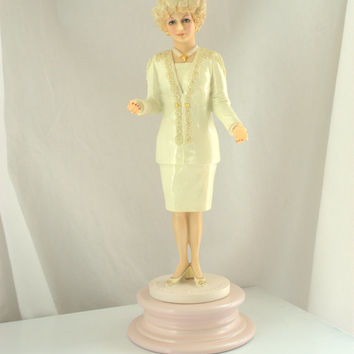 Mary Kay Ash Porcelain Figurine / Ceramic Statue / 40th Anniversary Collectible  - Rare Mint - Shipping Included