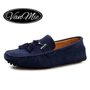 2017 Casual Men Shoes Tassels Men Loafers Slip On Moccasins Driving Shoes Male Suede Leather Flats Shoes Plus Size 46 47