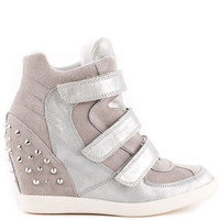 Guess Shoes - Hisalyn - Silver Suede