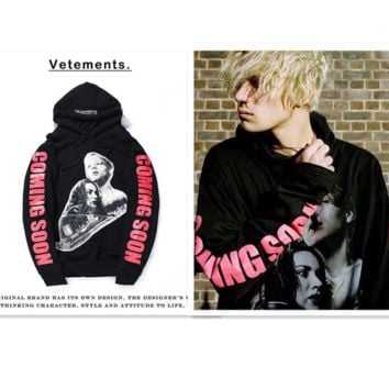 The new Vetements Titanic GD with paragraph long loose-fitting hooded sweater Couple sweater