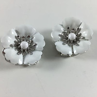 Vintage Retro Costume Jewelry Silver Toned White Enamel Sarah Coventry Flower Clip On Earrings