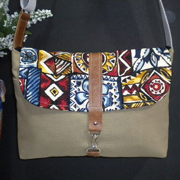Maycas Daily Messenger Bag in Military by maycascollection on Etsy